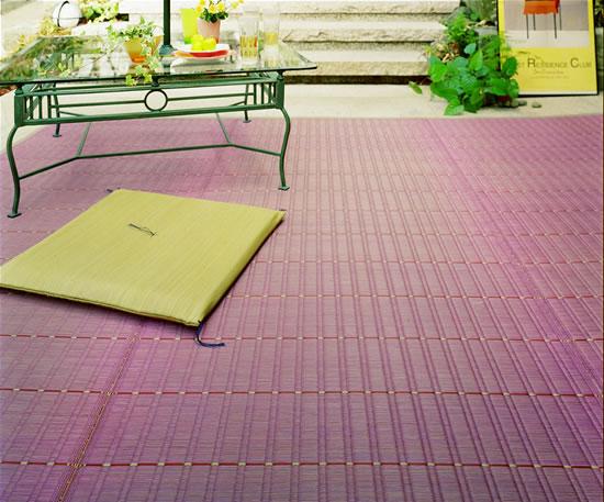 紫色の夏用敷物