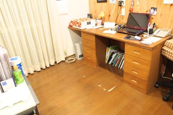 畳を敷く前の事務所
