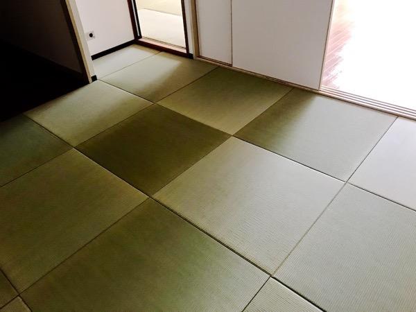 DIYで敷いた畳の部屋
