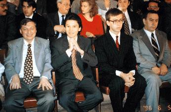 Матч с Карповым, 1996. Анатолий Карпов, Кирсан Илюмжинов, Камские (слева направо)