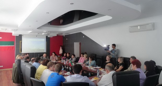 В Представительстве Республики Татарстан в Крыму чествовали делегатов II Всемирного форума татарских женщин