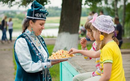 Татары на празднике Дня национальностей в городе Шуя
