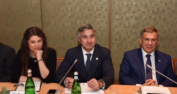 Татарстан Президенты «Италиядәге татарлар» белән очрашты