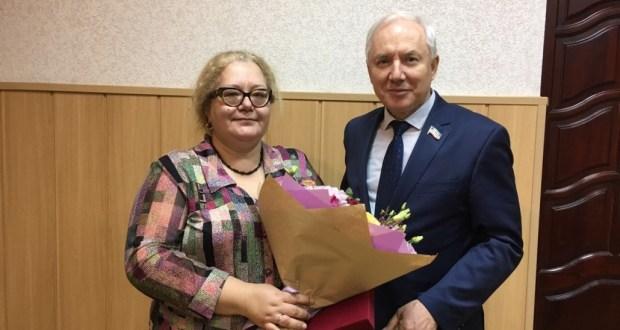 Әлфия Миңнуллинага Бөтендөнья татар конгрессы медале тапшырылды