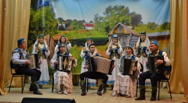Урта Курса мәдәният йортында урам концерты узды