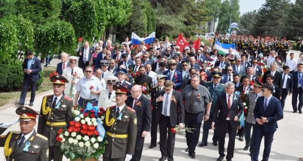 В столице и регионах Узбекистана прошли мероприятия, посвященные 73-ой годовщине Победы над фашизмом