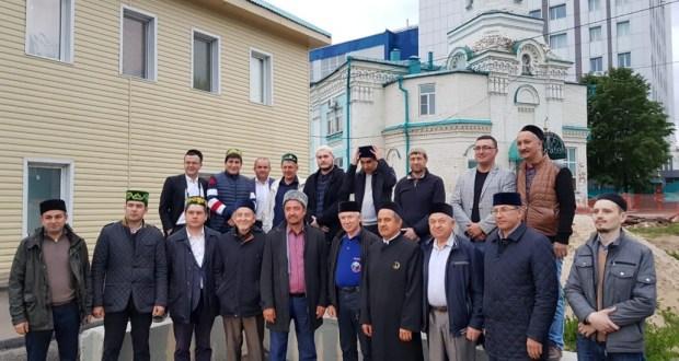 Бөтендөнья татар конгрессының Казан бүлеге җитәкчесе Фәрит Мифтахов ифтар ашы оештырды
