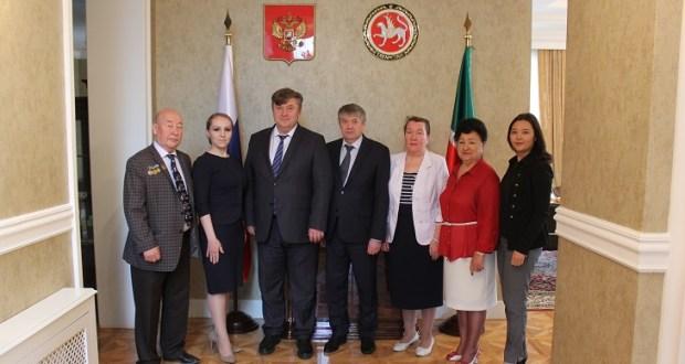 Лидеры Конгресса татар и башкир Казахстана встретились с новым полпредом Татарстана