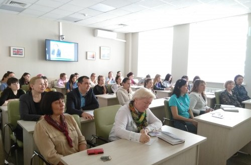 Татарстанда «Хәзерге татар теленең актуаль проблемалары» укытучылар түгәрәге эшли