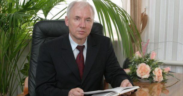 Руководитель Исполкома Всемирного конгресса татар Ринат Закиров отмечает 70-летие