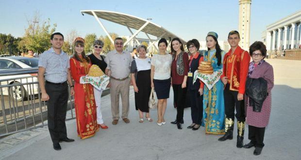 Встреча коллектива ансамбля танца «Казань» в аэропорту г.Ташкента