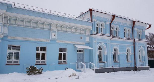 Ринат Закиров Томск өлкәсе Татар мәдәният үзәгенең эшчәнлеге белән танышты