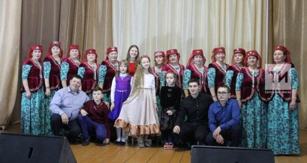 Түбән Новгород өлкәсе Сафаҗай авылында Яңа ел тамашасын карарга 400дән артык кеше килгән