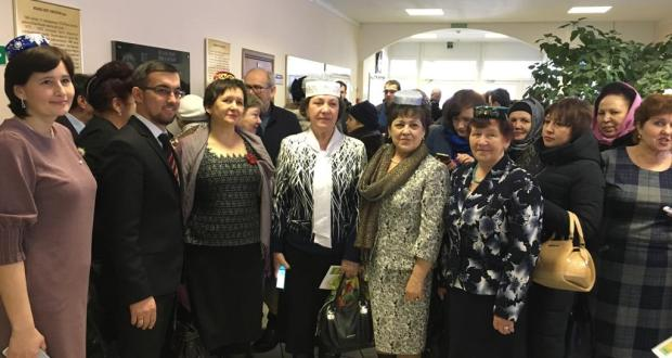 In Arsk,  the first zone meeting on   Strategy for  Development of the Tatar People