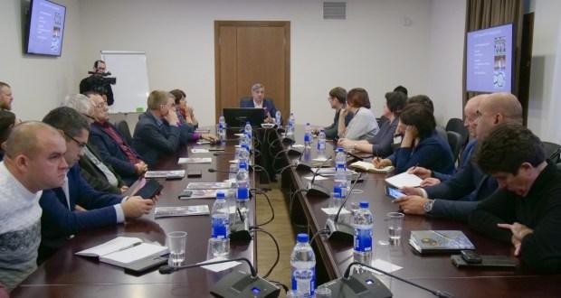 ФОТОРЕПОРТАЖ: Татар журналистлары милләтнең үсеш стратегиясе эскизына үз тәкъдимнәрен җиткерде