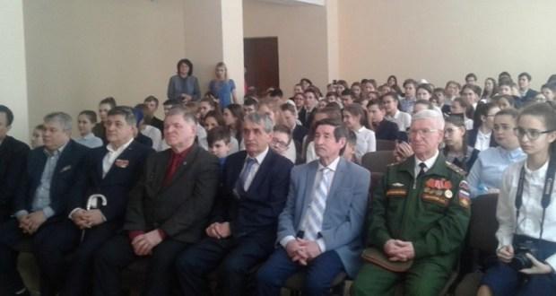 В татарской гимназии № 27 и Казанском университете состоялись встречи с ветеранами и краеведами