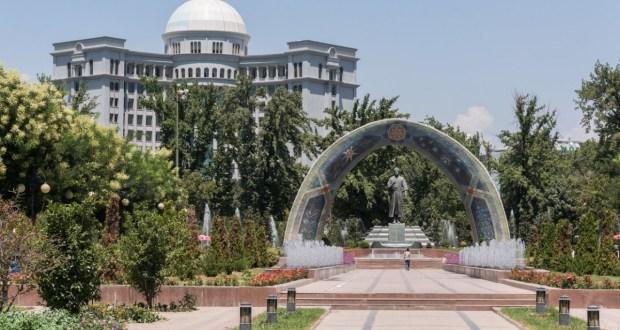 Председатель Национального совета Василь Шайхразиев с рабочим визитом прибыл в Таджикистан
