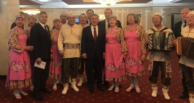 Minnikhanov instructed to help businessmen of Tatar villages of Russia with the sale of goods
