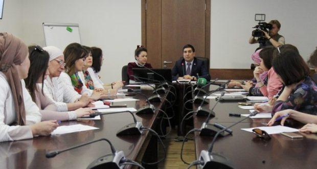 ФОТОРЕПОРТАЖ: Татар хатын-кызларының II съездына багышланган пресс-конференция