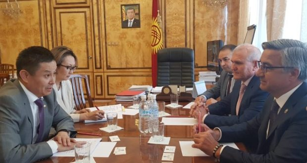 Василь Шайхразиев в Кыргызстане обсудил вопросы межнационального сотрудничества