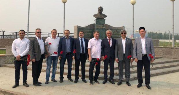 Васил Шәйхразиев эшлекле визит белән Нижневартовск шәһәрендә
