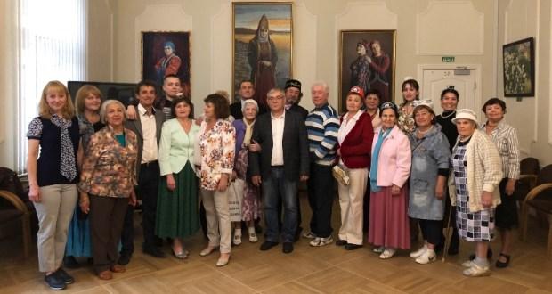 Выставка «Незримые узы с Родиной» открылась в Доме национальностей