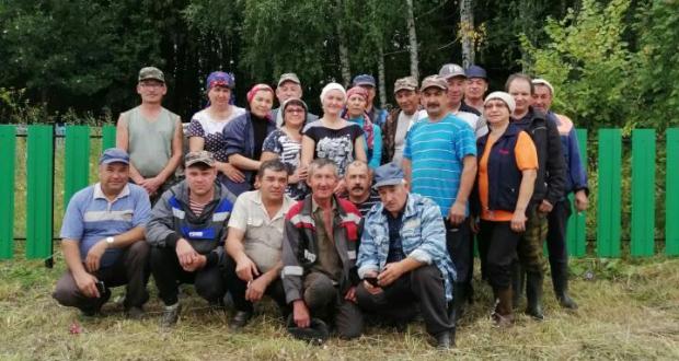 Балтач районы Яңа Тушкырда зират киртәләрен яңартканнар
