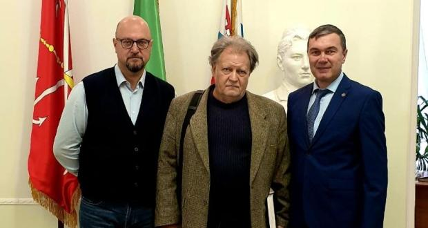 Ренат Валиуллин провел встречу с заместителем директора музея антропологии и этнографии Ефимом Резваном