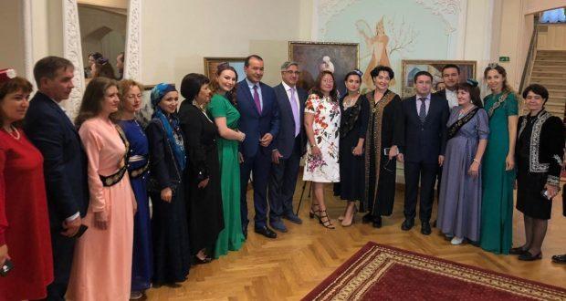 Председатель Национального совета Василь Шайхразиев встретился с представителями татарских общественных организаций Узбекистана