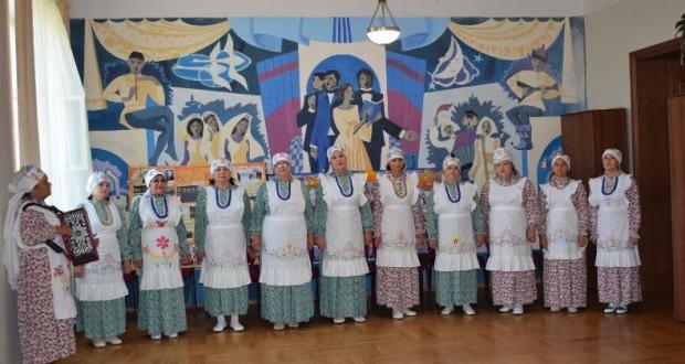 Ансамбль «Нур» из города Тара Омской области участвовал в конкурсе «Түгәрәк уен»