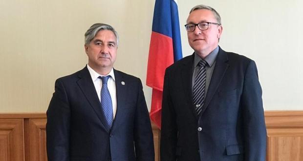 Председатель Нацcовета встретился с Полномочным Послом РФ в Австрийской Республике Дмитрием Любинским
