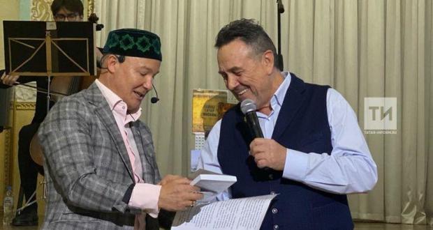 В Татарском культурном центре Москвы презентовали книги по истории татар и народов РФ