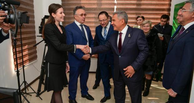 Рустам Минниханов посетил новый корпункт «ТНВ» в Узбекистане