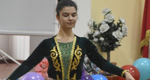 Finalist of the 2019 Tatar Kyzy International Competition held a chak-chak holiday