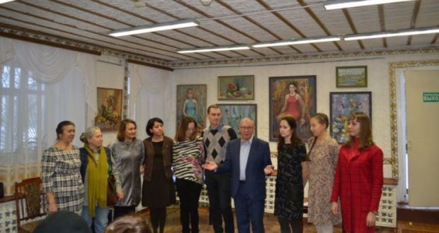 Зәй музеенда рәссам Мадияр Хаҗиевның күргәзмәсе эшли