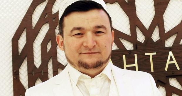 Дини җырлар башкаручы Ильяс Халиков Түбән Камада бушлай концерт куя