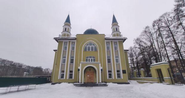 Васил Шәйхразыев Кострома шәһәренең Мемориаль мәчетендә