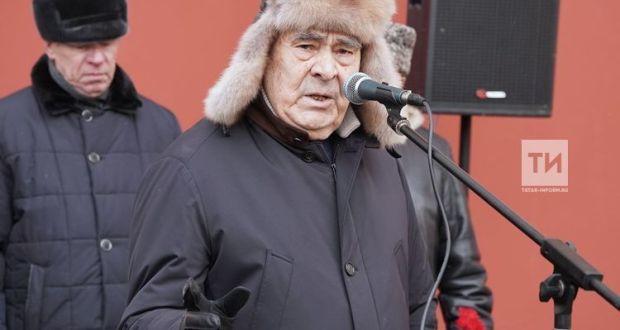 Минтимер Шәймиев язучы Әмирхан Еникинең иҗади мирасын танытырга кирәклеген әйтте