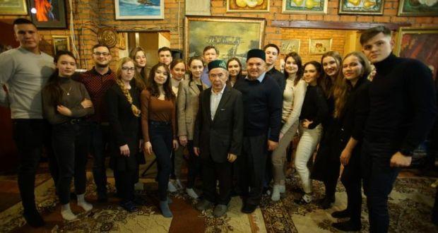 В «Штабе татар» прошла встреча с академиком Индус Тагировым