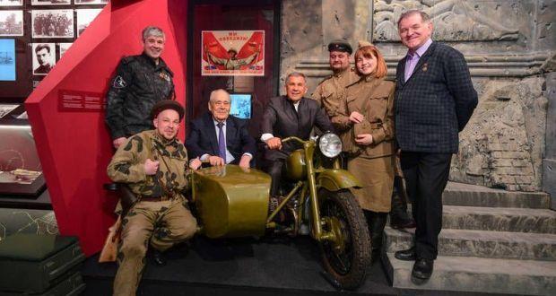 Рөстәм Миңнеханов Бөек Ватан сугышы Музей-мемориалының яңа экспозициясе белән танышты