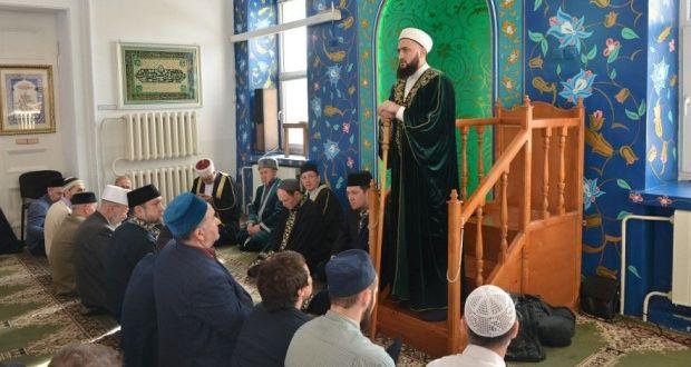 Муфтий РТ выступил перед мусульманами Башкортостана с проповедью о родном языке