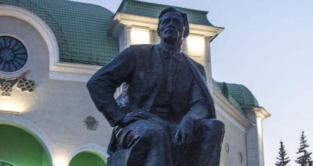 Глава Башкирии издал указ о праздновании 140-летия Мажита Гафури