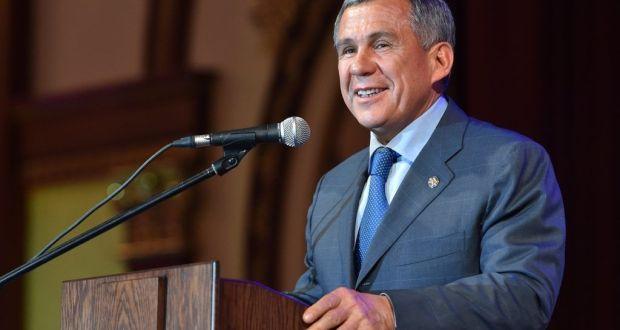 Рустам Минниханов поздравил татарстанцев с Днем родного языка