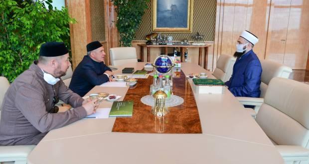 Рустам Минниханов в день Ураза-байрама встретился с Камилем хазратом Самигуллиным