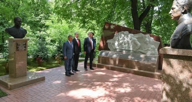 Рустам Минниханов в Кировской области принял участие в открытии мемориала воинам 311 стрелковой дивизии