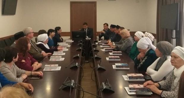 Конгресста Ульяновск шәһәренең ана теле укытучылары һәм «Ак калфак» вәкилләре белән очрашу узды