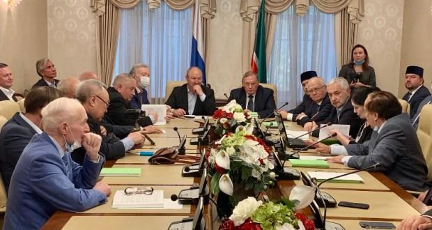 Мәскәүдә совет дипломаты Кәрим Хәкимов турында китап тәкъдим иттеләр