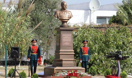 Сириядә Россия Герое, полковник Рәфәгать Хәбибуллинга һәйкәл ачылган