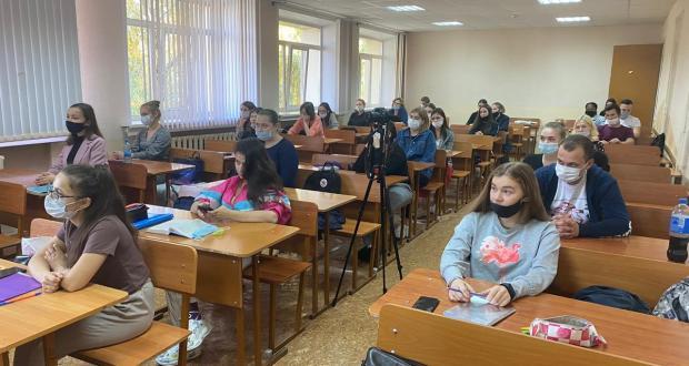 В Казани со студентами говорили о патриотическом воспитании