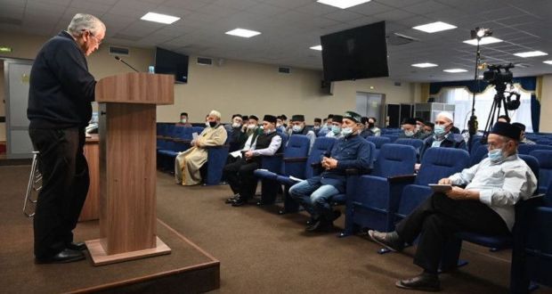 Татарстан имам-мөхтәсибләре һәм казыйлары өчен укулар башланды